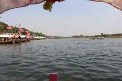 Rivière de Narmada à Jabalpur images libres de droits