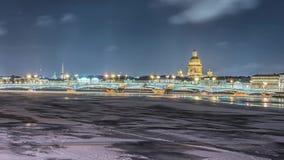 Rivière de Neva de belle vue dans le St Petersbourg, Russie clips vidéos