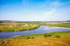 Rivière de Sorot, paysage russe rural vide photo stock