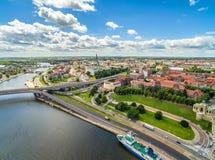 Rivière de Szczecin - d'Odra et boulevard de Chrobry Paysage de Szczecin de la vue d'oeil du ` s d'oiseau avec les axes évidents  Images libres de droits