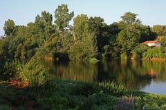 Rivière de Vienne, vue de saint Germain de Confolens, France photo libre de droits