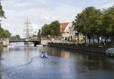 Rivière de ville Images libres de droits