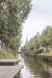 Rivière de ville Images stock