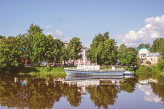 Rivière de Vologda dans la ville de Vologda, Russie Photographie stock
