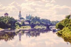 Rivière de Vologda dans la ville de Vologda, Russie Photographie stock libre de droits