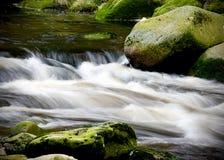 Rivière de Vydra, montagnes de Sumava, République Tchèque, Images stock