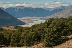 Rivière de Waimakariri en parc national du passage d'Arthur Photographie stock libre de droits