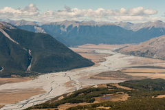 Rivière de Waimakariri, parc national du passage d'Arthur Photos stock