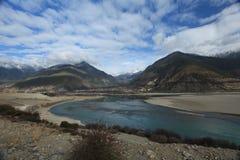 Rivière de Yarlu Zangbu Photographie stock libre de droits