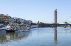 Rivière du Guadalquivir chez Séville, Espagne Images libres de droits