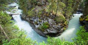 Rivière en U dans Banff Image stock