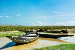 Rivière et bateau Photo libre de droits