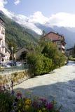 Rivière et montagne Photos stock