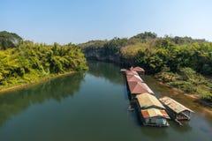 Rivière et radeau Images stock