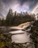Rivière Homla dans Mostadmark Jernverk - vieilles ferronneries près de lac Foldsjoen image libre de droits
