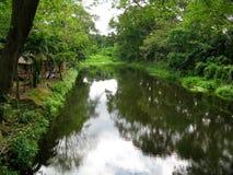 Rivière, La Mesa Ecopark, Quezon City, Philippines images libres de droits