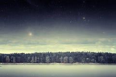 Rivière la nuit photographie stock