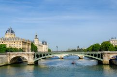 Rivière la Seine à Paris. Frances. Photo stock