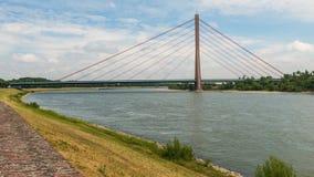 Rivière le Rhin de sseldorf de ¼ du laps de temps DÃ banque de vidéos