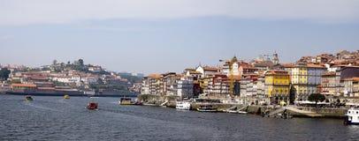 Rivière Porto Portugal de Douro de panorama Photos stock