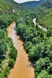 Rivière près des montagnes Montserrat Photos libres de droits