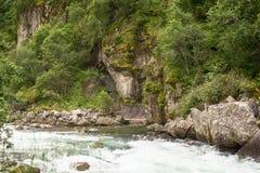 Rivière rapide et belle nature de Norvège Photos libres de droits