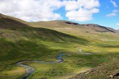 Rivière serpentant dans une vallée, Pérou du sud Photo libre de droits