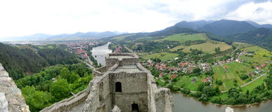 Rivière Vah près de Strecno, Slovaquie Photo stock