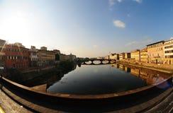 Rivier Arno (brede hoek) Royalty-vrije Stock Fotografie