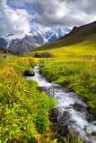 Rivier in bergen royalty-vrije stock foto