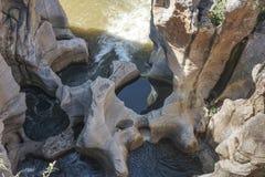 Rivier bij bourkespotholes in Zuid-Afrika Stock Afbeeldingen