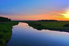 Rivier bij zonsondergang Royalty-vrije Stock Foto