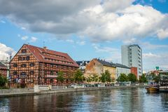 Rivier Brda en historische gebouwen in Bydgoszcz stock afbeelding