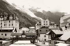 Rivier in Chamonix-stad royalty-vrije stock afbeelding