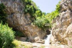 Rivier de bron van Dryanovska bulgarije royalty-vrije stock fotografie
