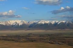 Rivier in de Kurai-steppe Stock Foto's