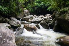 Rivier in Dos Orgaos van Parque Nacional DA Serra in Guapimirim, Rio Royalty-vrije Stock Afbeeldingen