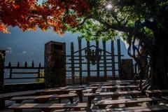 Rivier Drie Kloven Dengying Xia van Hubeiyiling Yangtze in het van de Klovenmensen ` van ` Drie plattelandshuisje van de Bedelaar royalty-vrije stock afbeeldingen