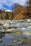 Rivier en bergen HDR Stock Foto