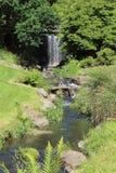 Rivier en waterval in een park Royalty-vrije Stock Foto