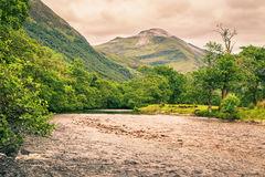 Rivier in Glen Nevis-vallei, Schotland Stock Foto