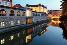 Rivier Ljubljana, Slovenië - Ljubljanica en Centra Stock Afbeeldingen