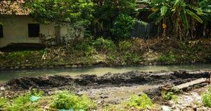 Rivier met modderfoto in Semarang Indonesië wordt genomen dat stock foto