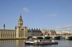 Rivier Theems en Huizen van het Parlement, Londen Royalty-vrije Stock Foto