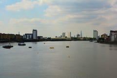 Rivier Theems en Modern de stadscentrum van Londen, mening van de Pijler van Greenwich Royalty-vrije Stock Fotografie