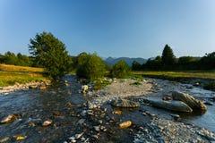 Rivier in Transsylvanië, Roemenië, Europa royalty-vrije stock foto's