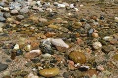 Rivier van glashelder water royalty-vrije stock fotografie