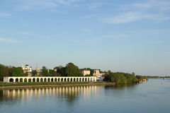Rivier in Velikiy Novgorod stock afbeeldingen