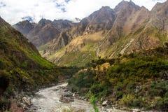 Rivier Vilcanota - de Treinrit aan Machu Picchu Stock Fotografie