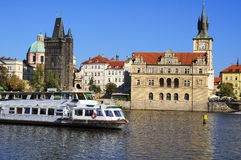 Rivier Vltava en stad van Praag. Europa. Stock Afbeelding
